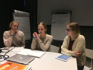 Präsentation der Gruppenarbeit zum Thema spezielle Zielgruppen